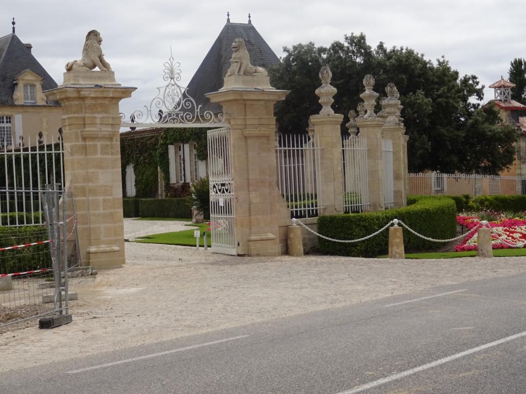 23 entrée château