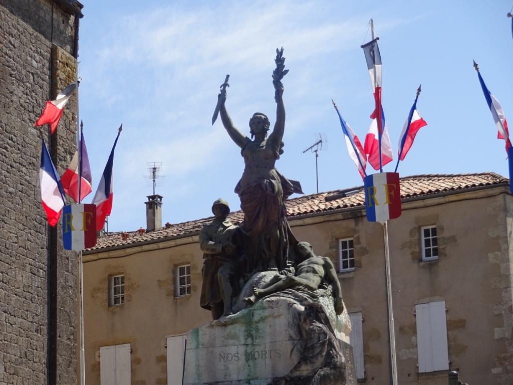 32 statue la réole