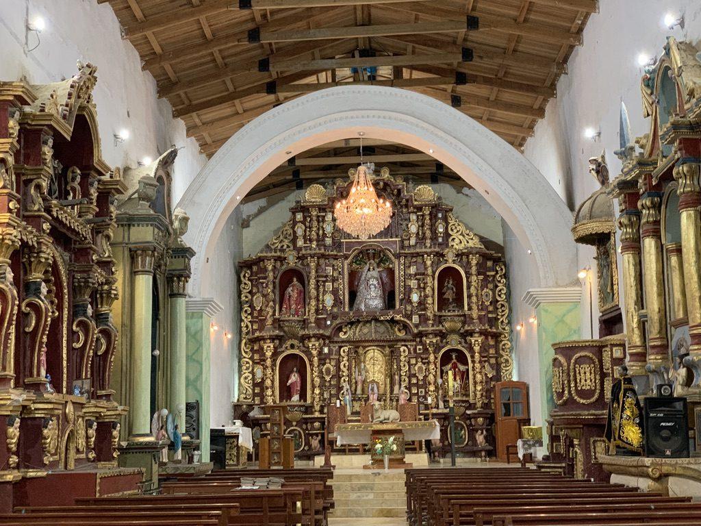 Magnifique intérieur église de Oyon