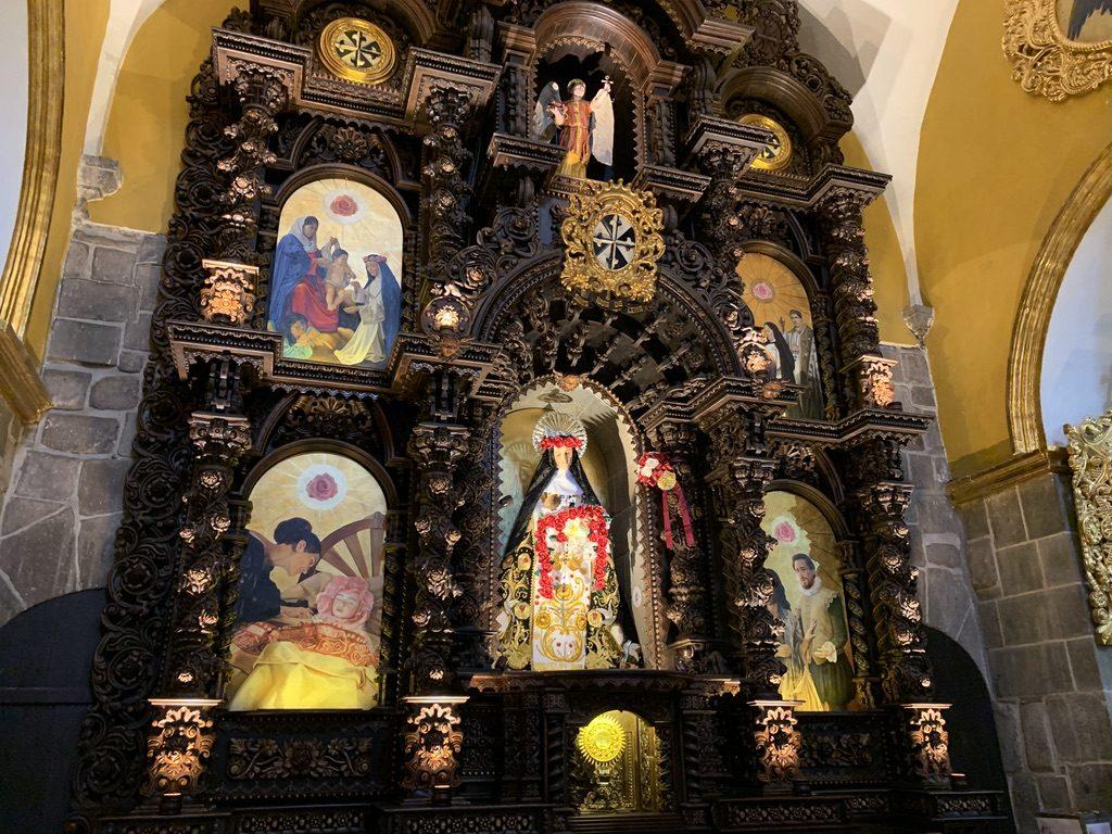 Magnifique intérieur d'église