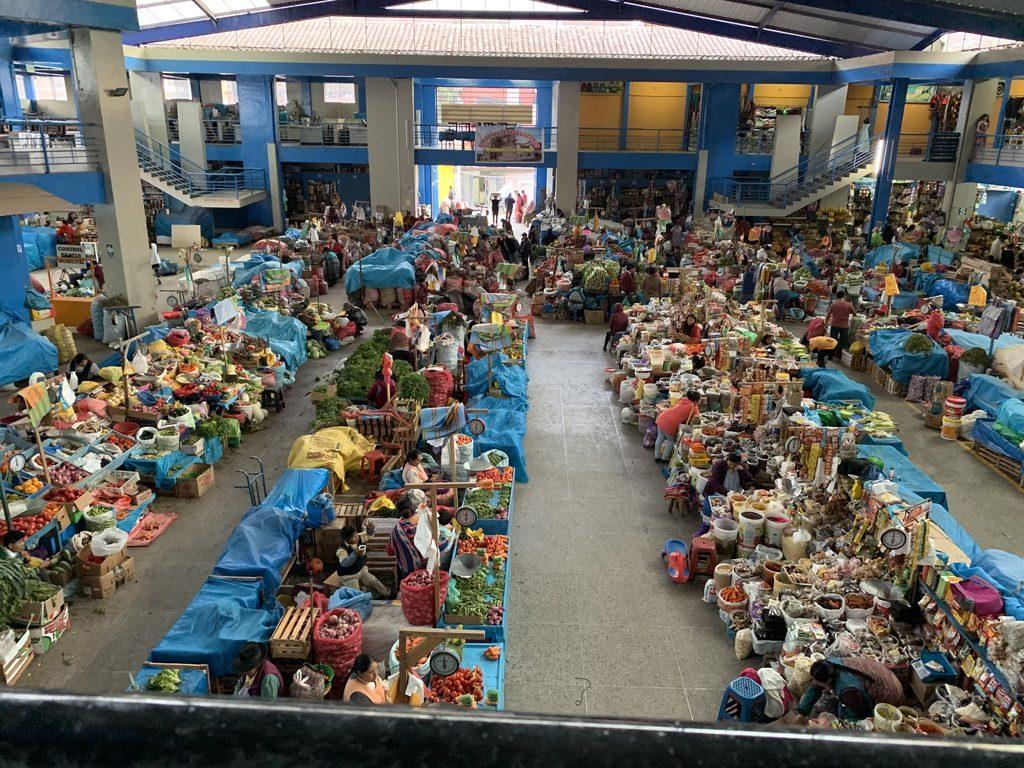 Mercado colorido de Urubamba