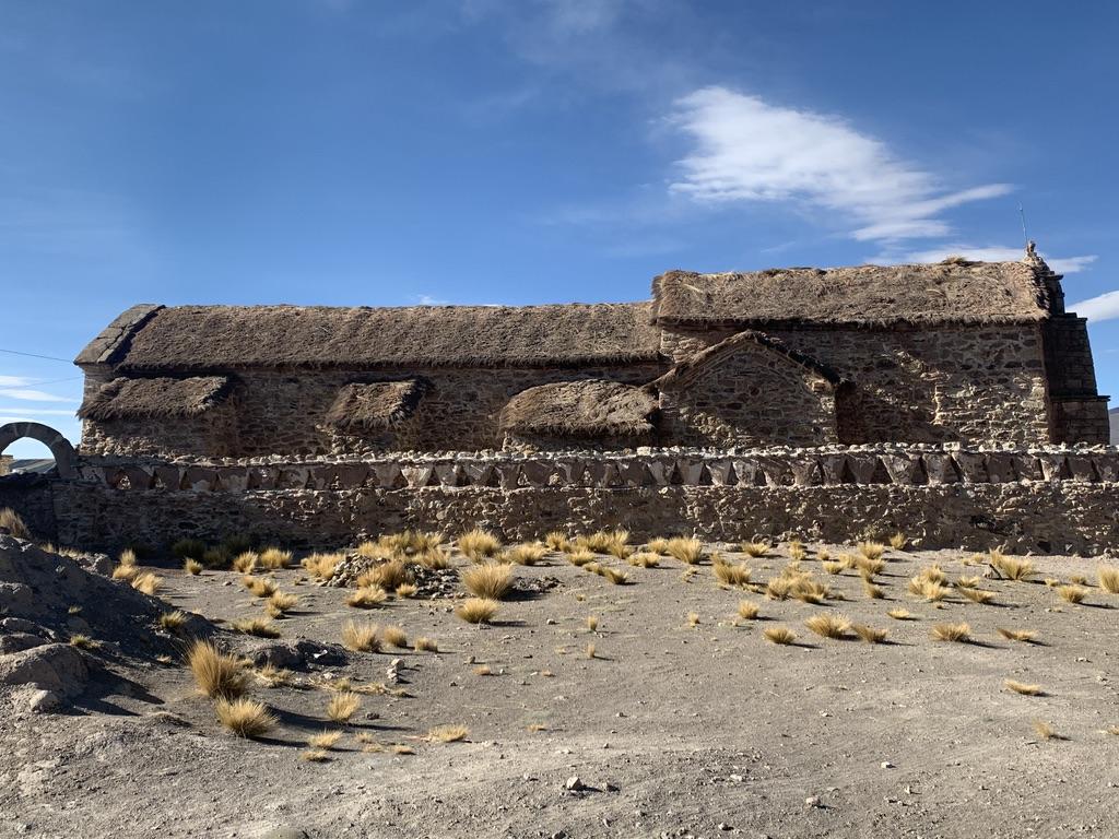 Iglesia de Sajama