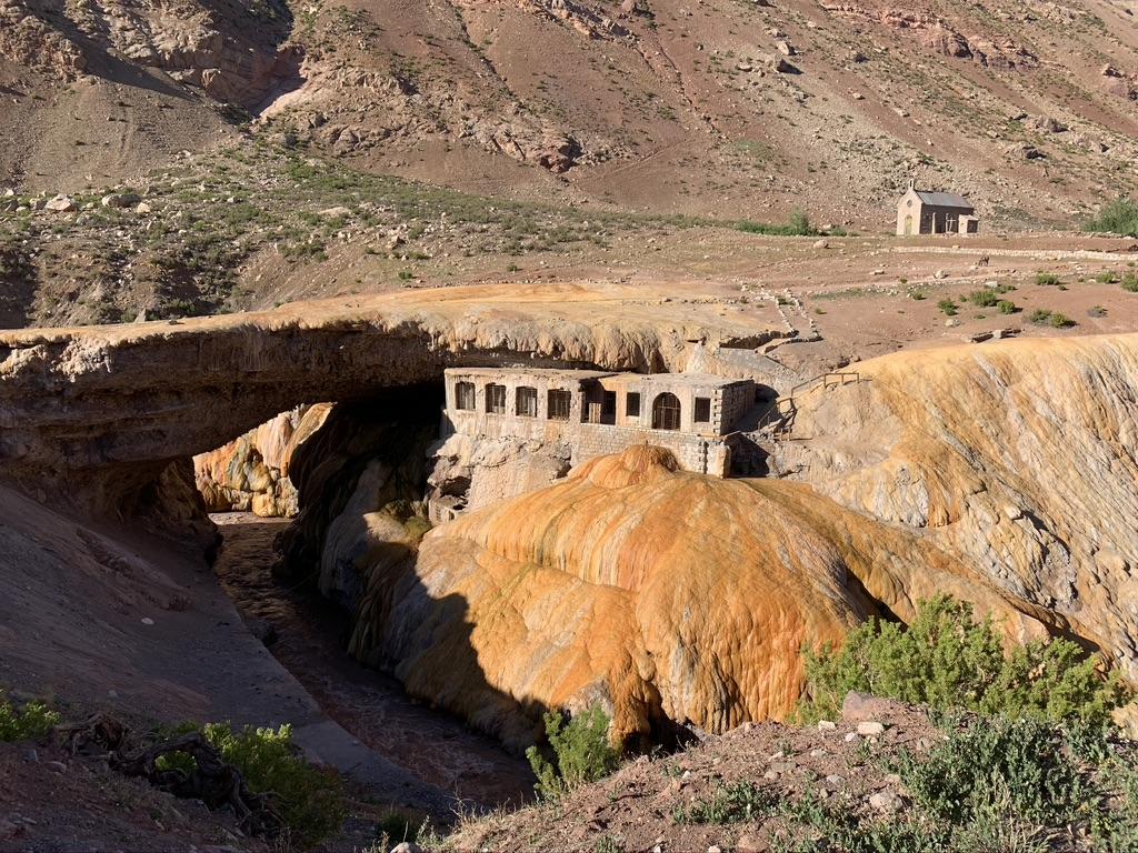 Monument Puente del Inca