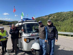 Ils parcourent l'Amérique du sud en tuktuk
