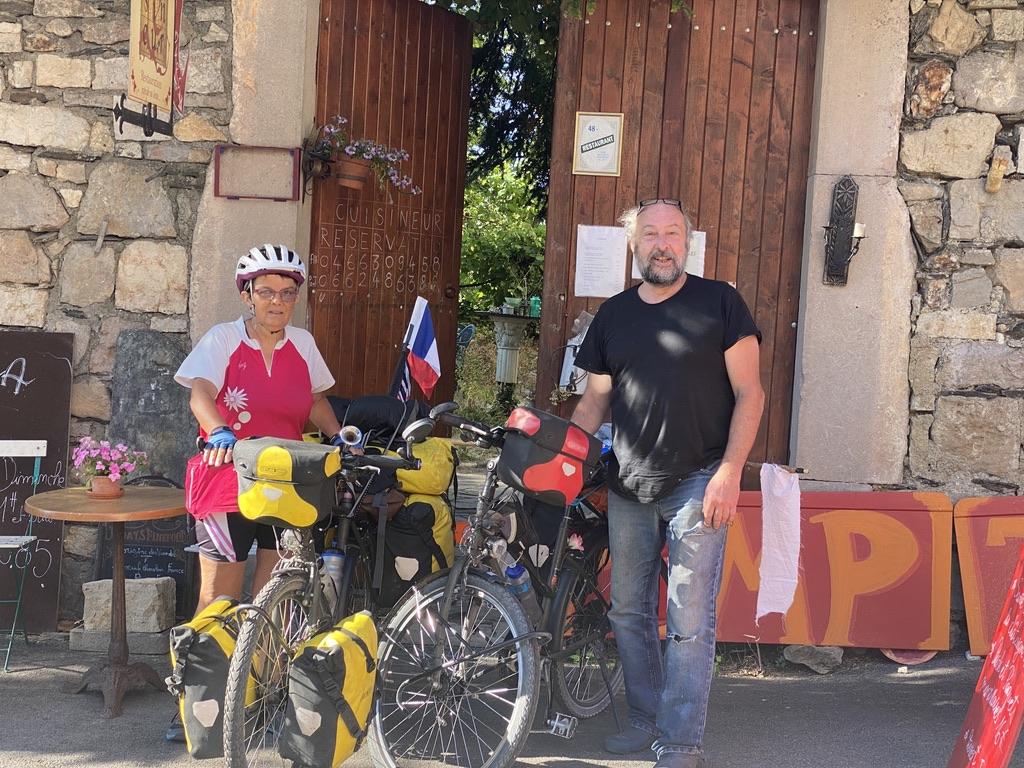 Jean-Michel un restaurateur dans le village le Pompidou