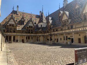 Cour intérieur des hospices de Beaune
