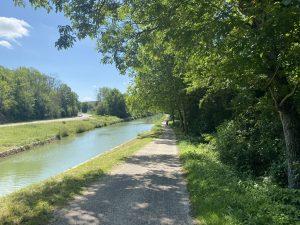 Le calme paisible du canal de Bourgogne