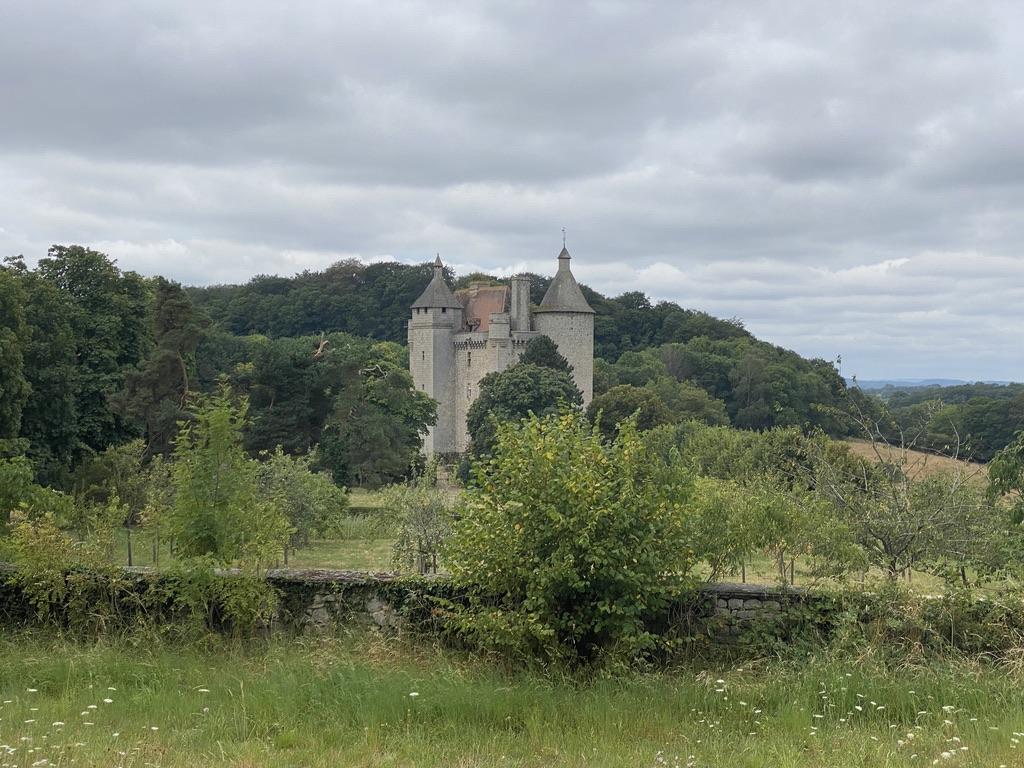 Chateau de Saint-Pardoux-les-Cards