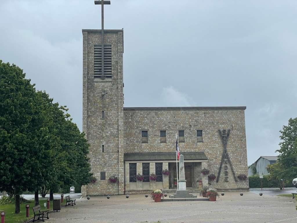 Eglise aux formes simplifiées