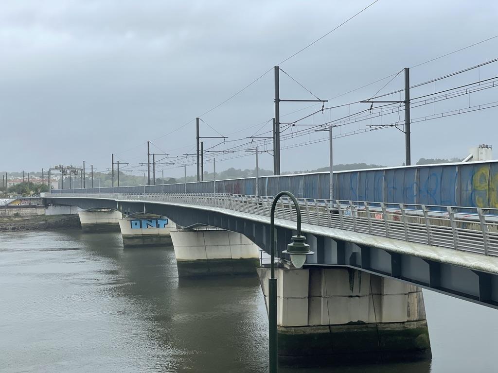 Pont train et vélos