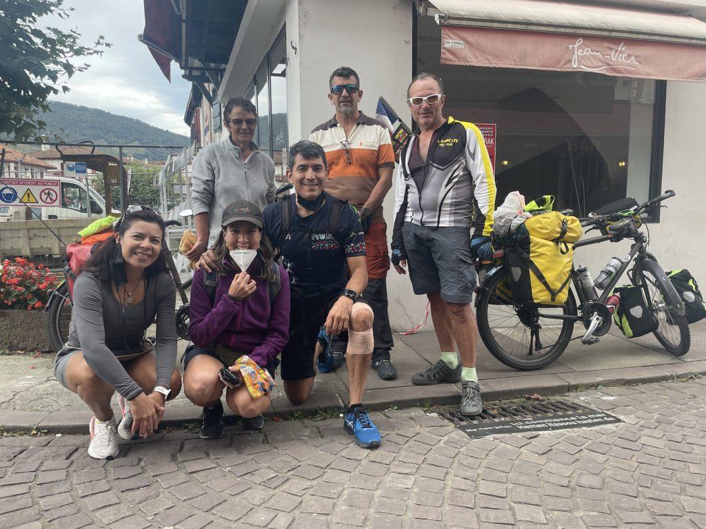 Un groupe de mexicains sur les chemins de st Jacques de Compostelle
